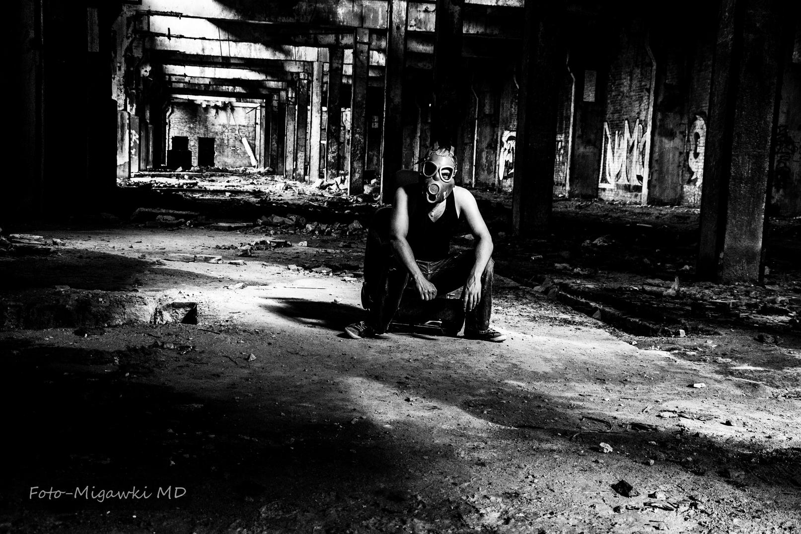 Sesja portretowa- opuszczone fabryki